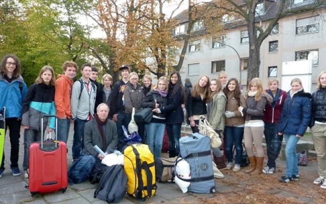 Den_Haag_Schüler_Okt_2011_Gruppe_
