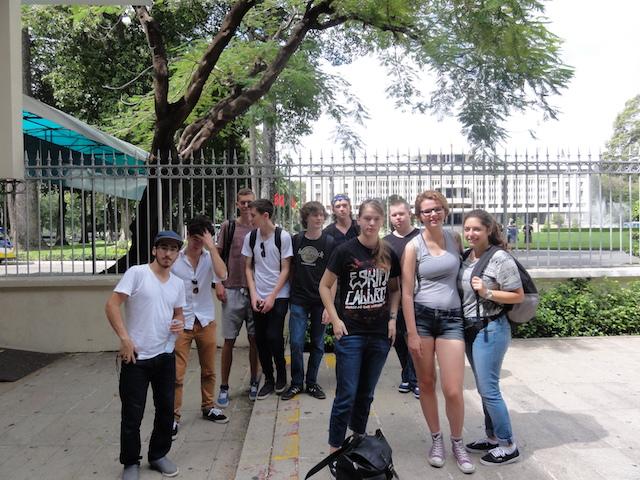 Der nächste Tag startet mit einer Stadtrundfahrt. Erster Halt: Der Independence Palace, Sitz der Südvietnamesischen Regierung während des Vietnam-Krieges.