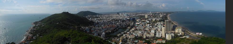 Blick über die Bucht von Vung Tau vom Jesusberg